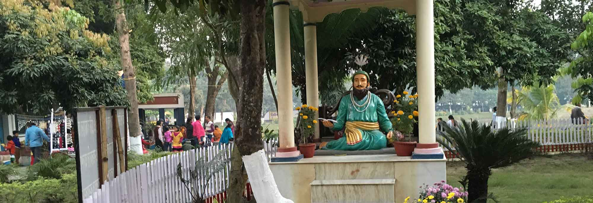Statues of the Nawabs of Murshidabad